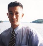 札幌整体 肩こり・腰痛回復センター、院長の荒井隆将
